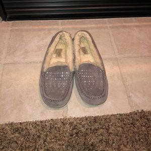 UGG Gray Ansley moccasin slippers with diamonds